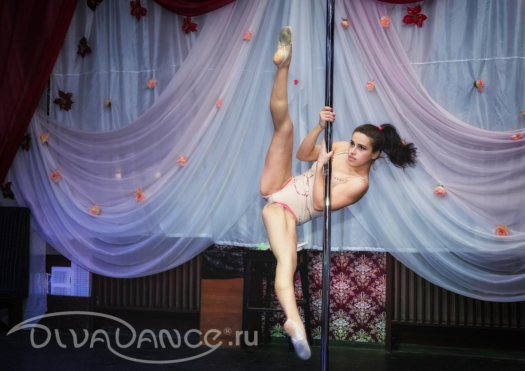 Смотреть онлайн танец стриптиз 17 фотография