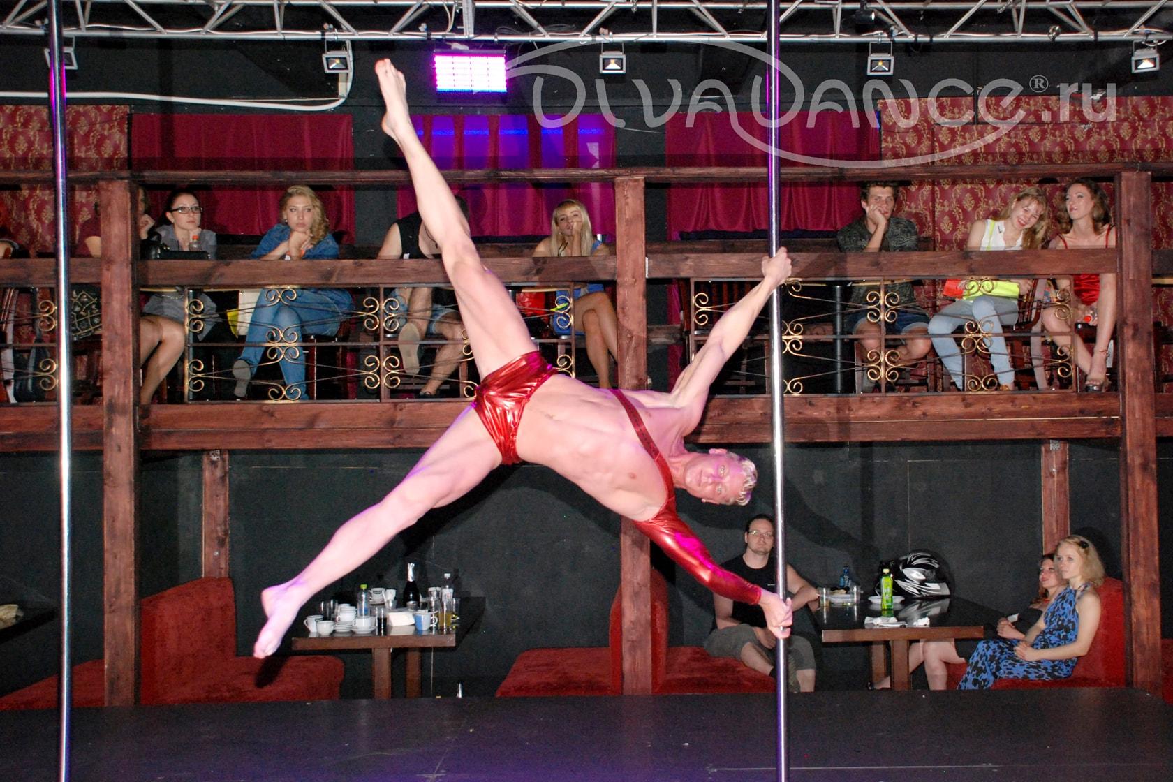 Бальные танцы в стрингах и чулках видео