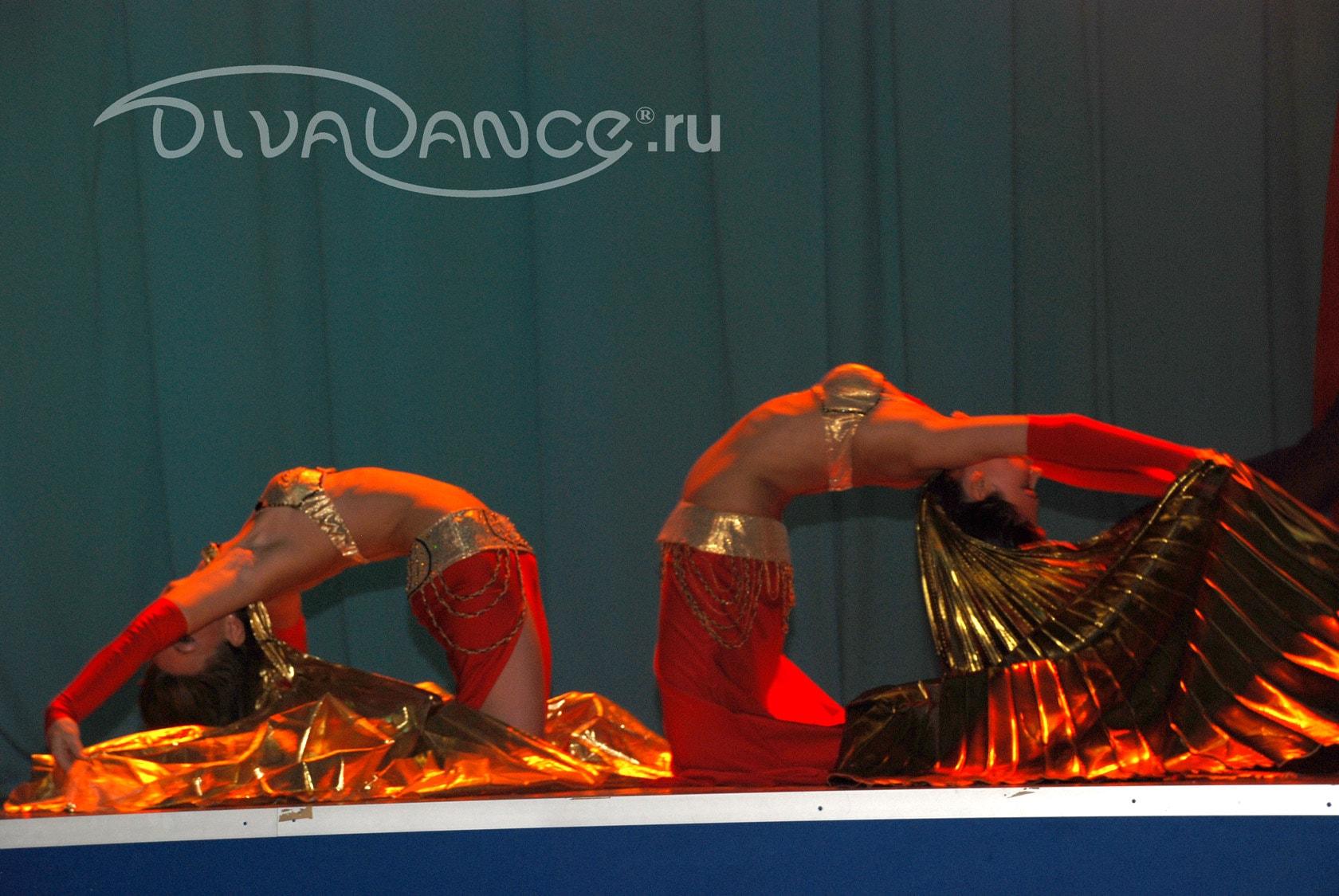 volosatuyu-seksualnie-foto-ansambl-tantsa